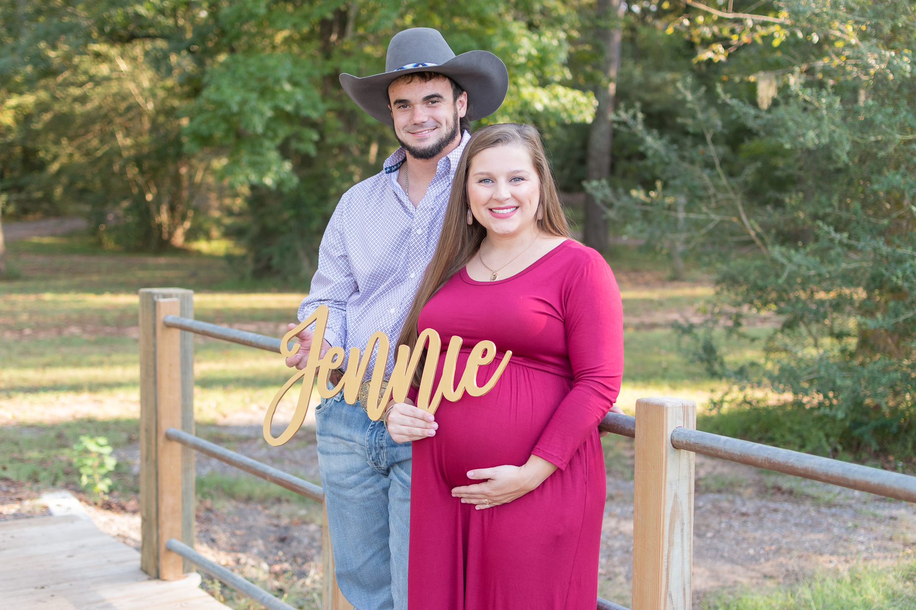 Tomball, Texas Photographer | Tomball Maternity Photography | Emma + Josh